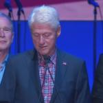 Obama Se Cura En Discurso De Clinton!